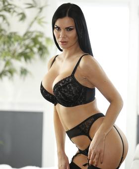 Jasmine porno merde que humide noir chatte